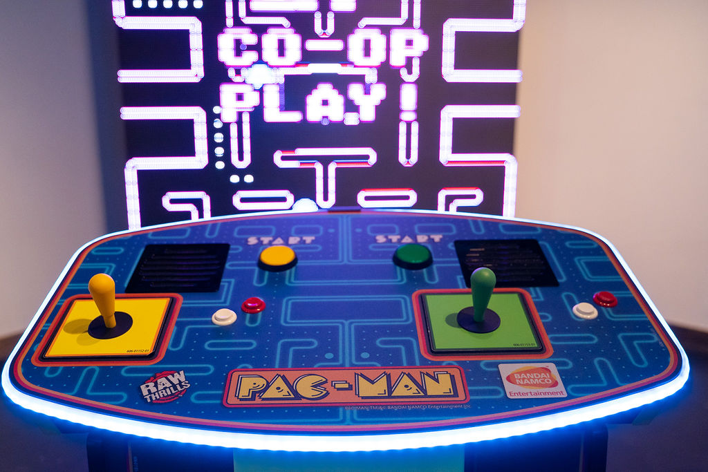 giant led pacman the worlds largest pacman galaga console up close