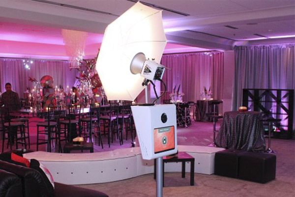 picture perfect booth at woodmont country club