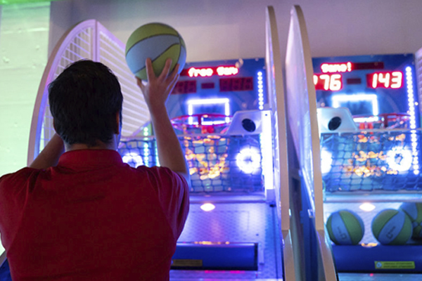 playing basketball arcade hoops